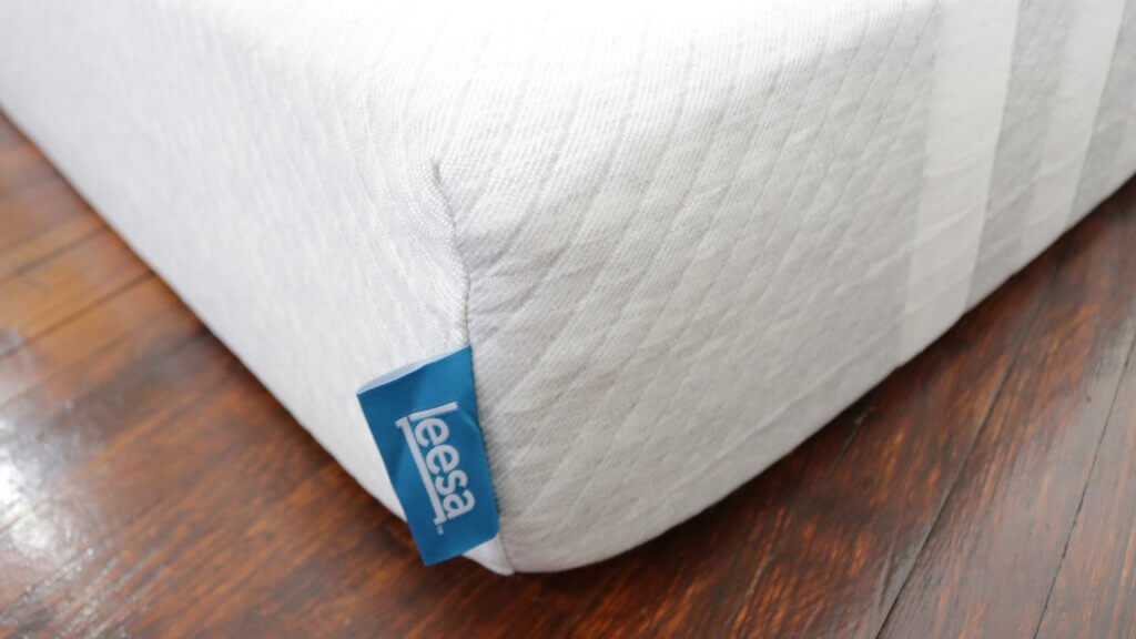 Leesa Mattress review, leesa mattress, leesa, leesa vs purple, leesa vs casper, leesa sleep, girl on the mattress, leesa cover