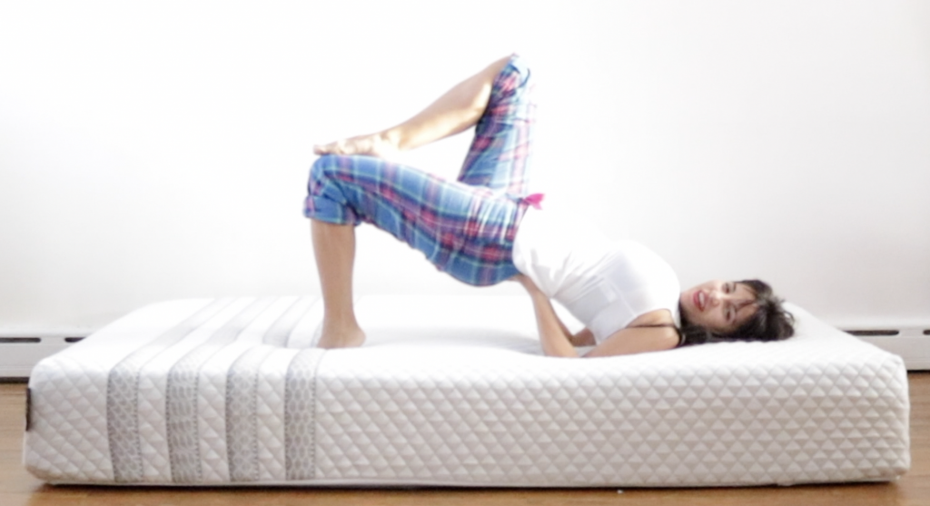 Sapira Mattress Review - Girl on the mattress - <p data-wpview-marker=