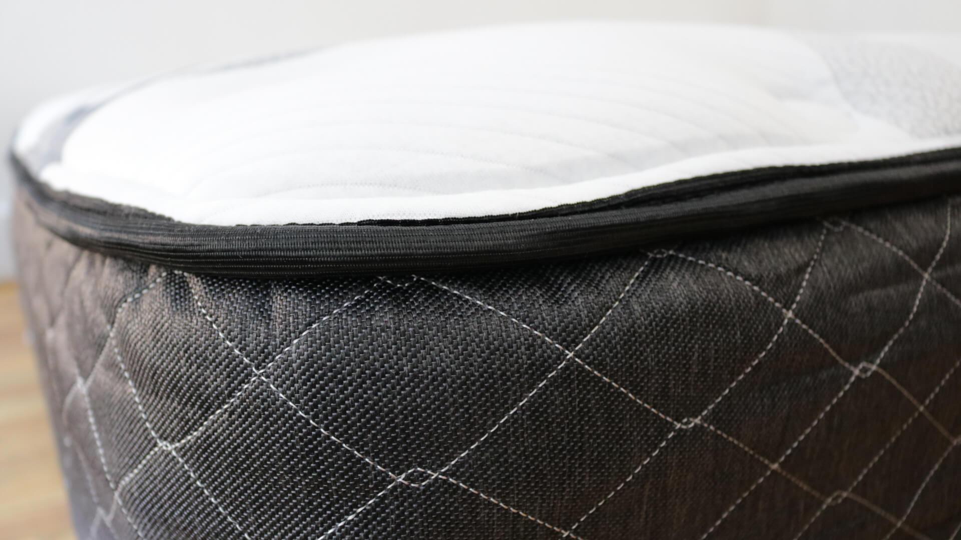 luft mattress review luft review mattress reviews online mattress reviews 2 girl on the. Black Bedroom Furniture Sets. Home Design Ideas