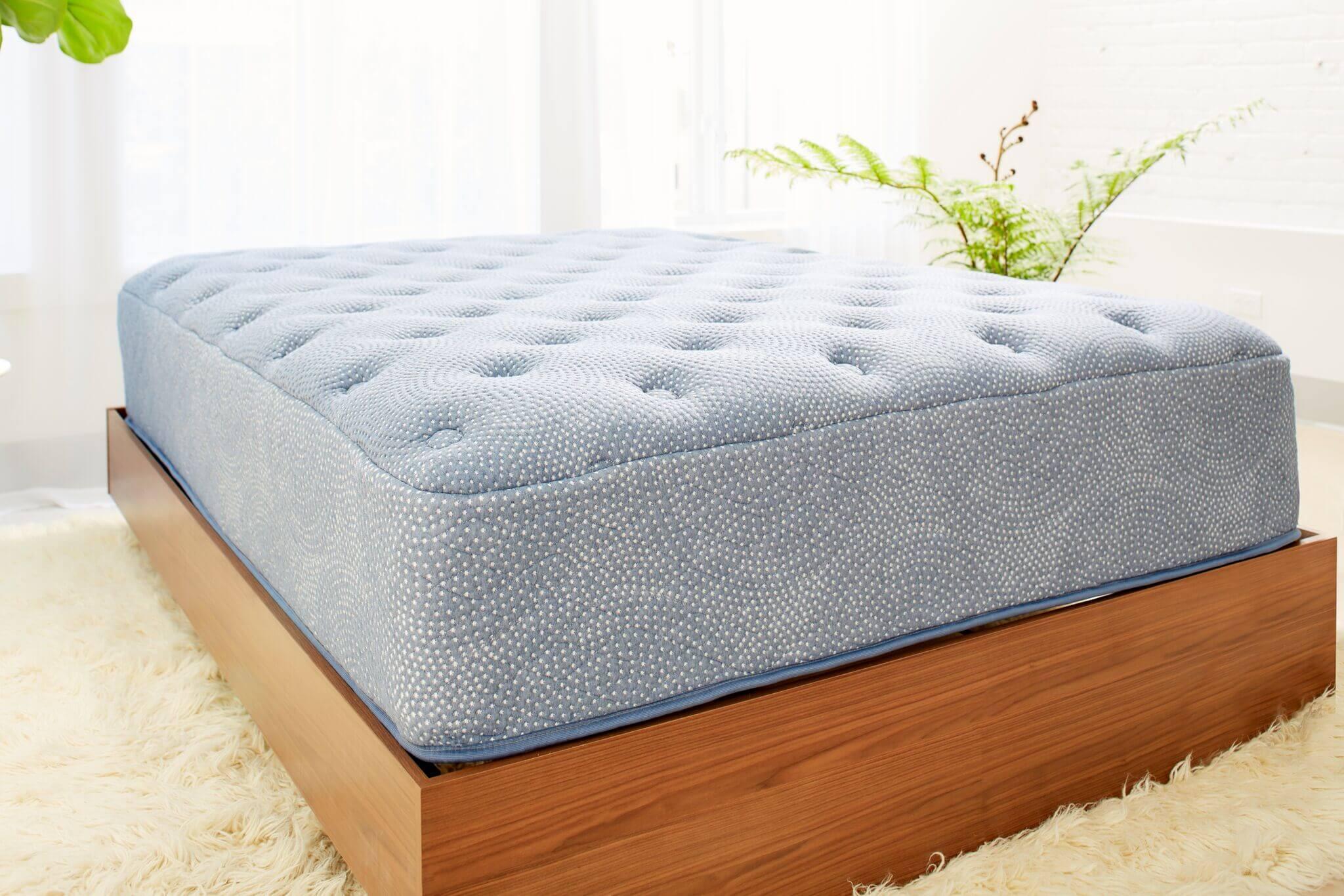 luft mattress giveaway, mattress giveaway, luft mattress, girl on the mattress giveaways